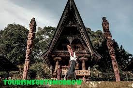 Liburan Sambil Belajar Budaya Batak Toba di Huta Siallagan